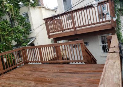 House-Twist-Deck-Pressure-Washing-and-Painting2