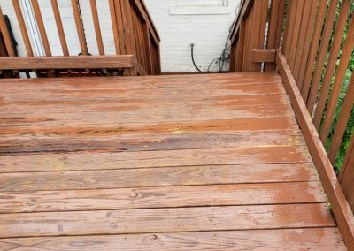 House-Twist-Deck-Pressure-Washing-and-Painting4
